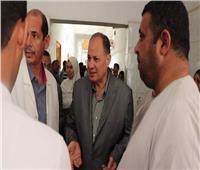 محافظ الفيوم يفاجئ المستشفي العام ويشدد على انتظام العمل