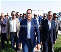 رئيس الوزراء لطلاب أسيوط: اللى هيغيب هنسحب منه التابلت