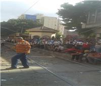 تكدس المواطنين في انتظار ترام «محطة الرمل».. والأتوبيس يمتنع عن التوصيل