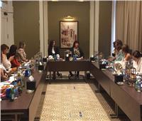 عبد الدايم تلتقي بسيدات منتدى عمان الثقافي