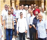 محافظ الإسماعيلية يلتقي بالمواطنين بمسجد خالد بن الوليد عقب صلاة الجمعة