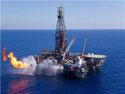 البترول: إنتاج حقل ظهر من الغاز وصل إلى 2 مليار متر مكعب يوميًا