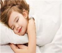 طفلك ينام في الفصل.. تعرفي علي الأسباب والحلول