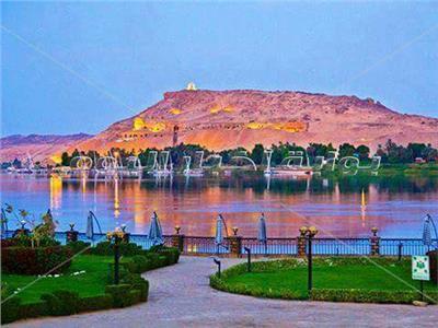 زيري الآثار والسياحة ومحافظ أسوان يتفقدون المعالم والمواقع السياحية والأثرية