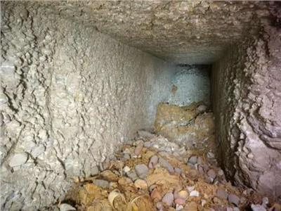 تنقيب تشكيل عصابي عن الآثار.. يكشف مقبرة أثرية جديدة