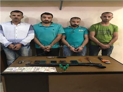 القبض على تشكيل عصابي تخصص في سرقة السيارات بمدينة السلام
