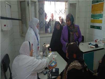 إقبال كبير من مواطني الفيوم على حملة الرئيس للقضاء على فيروس سي