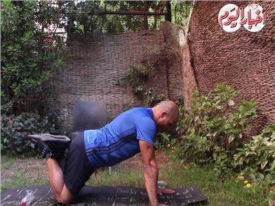 بالفيديو| تمارين رياضية للتخلص من ترهل الثدي عند الرجال