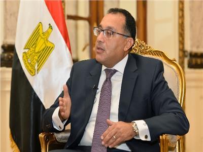 رئيس الوزراء يهنئ وزير الدفاع والإنتاج الحربي بذكرى نصر أكتوبر