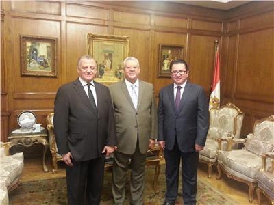 رئيس المحكمة الدستورية العليا يبحث مع سفير كازاخستان التعاون القضائي