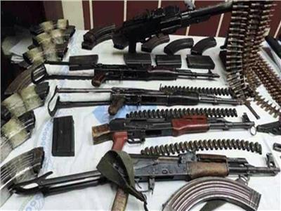 ضبط شخصين بحوزتهما 4 قطع سلاح و61 طلقة بأسيوط