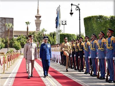 الفريق محمد فريد يستقبل رئيس الأركان السعودي