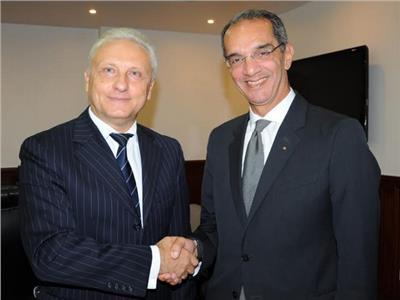 وزير الاتصالات يستقبل سفير بيلاروسيا بالقاهرة