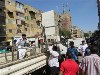 أمن القاهرة يشن حملة مكبرة لإزالة الإشغالات بشوارع العاصمة