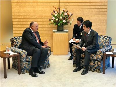 وزير الخارجية يسلم رسالة من الرئيس السيسي إلى رئيس وزراء اليابان