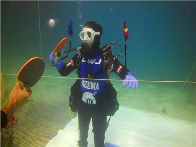 فيديو| «يومان ونصف تحت الماء».. هكذا كسرت الغطاسة المصرية الرقم القياسي