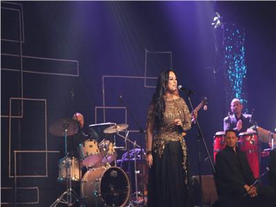 مدحت صالح ومروة ناجي يتألقان في حفل أكتوبر بجنوب سيناء