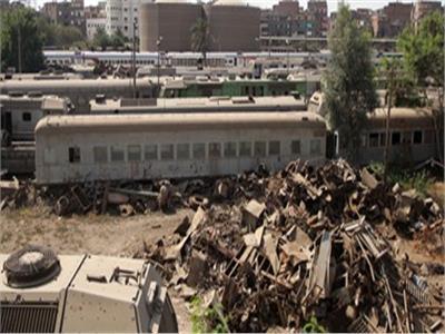 رئيس «السكة الحديد» يكشف مصير القطارات القديمة المتهالكة