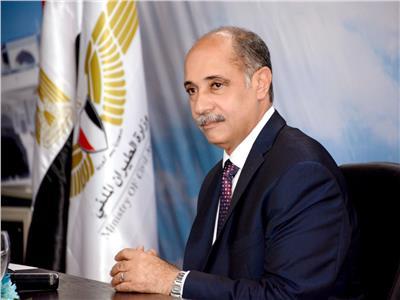وزير الطيران المدنى يتفقد مطار الغردقة في زيارة مفاجئة