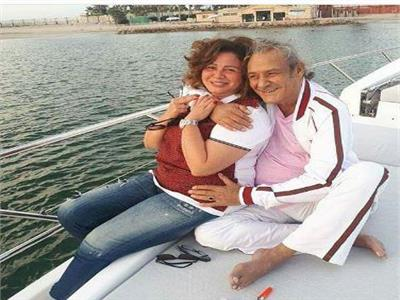 بالصور  فاروق الفيشاوي في رحلة بحرية بعد الإعلان عن إصابته بالسرطان