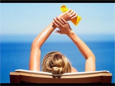 تحذير| «كريمات الواقية من الشمس»  تسبب عيوبًا خلقية