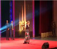 بوسي مفاجأة مهرجان الإسكندرية السينمائي