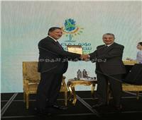 وزير الكهرباء يكرم الأمين العام للوكالة الدولية للطاقة