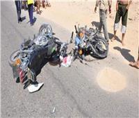 مصرع وإصابة 4 في تصادم دراجتين بخاريتين بالفيوم
