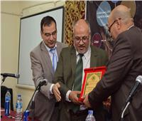إعلام الأزهر تكرم «الهدهد» رئيس الجامعة الأسبق