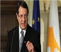وصول رئيس قبرص لجزيرة كريت لحضور القمة الثلاثية مع مصر واليونان