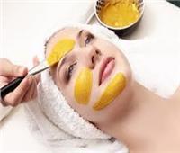 قناع الكركم والعسل لعلاج حب الشباب في 10 دقائق