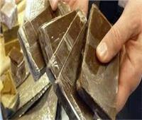 السجن ٣ سنوات لعامل أحذية تاجر في الحشيش بمنشأة ناصر
