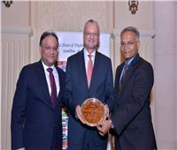 تكريم سفير مصر بالهند بعد انتهاء مدة عمله