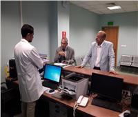 صور| نائب رئيس جامعة الأزهر يقوم بزيارة مفاجئة للمستشفى التخصصي