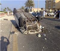 إصابة 3 أشخاص في حادث انقلاب سيارة ملاكي أعلى طريق الواحات