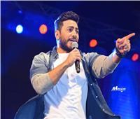 تامر حسني يطمئن جمهوره: «إن شاء الله هرجع أغني»