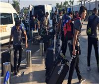 بعثة يد الأهلي تصل مطار محمد الخامس استعدادًا للسفر إلى أبيدجان