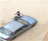 إيقاف مدرس أجبر تلميذين على غسل سيارته بالسويس