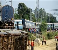 مقتل 59 على الأقل بعدما دهس قطار حشدا من الناس بشمال الهند