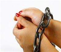 بعد عام من الجريمة.. «جلسة مزاج» تكشف حادث قتل زوجة لزوجها