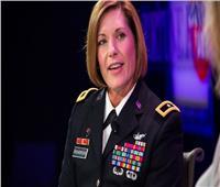 «لورا ريتشاردسون».. صاحبة الكعب العالي تقود أكبر قوات الجيش الأمريكي