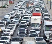 كثافات مرورية أعلى كوبري الفردوس بسبب تصادم سيارتين