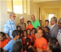 صور| منجم السكري: تجهيز معمل حاسب آلي لإحدى مدارس مرسى علم