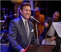 هاني شاكر يفتتح مهرجان الموسيقى العربية على نغمات «وأنت ماشي في مصر»