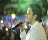 صور| مصطفى حجاج يتألق بحفل «الضيافة الجوية».. و«خطوة» تُشعل الأجواء
