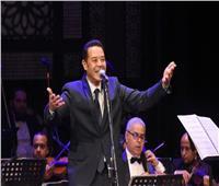 الليلة..مدحت صالح على المسرح الكبير بمهرجان الموسيقى العربية