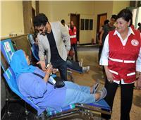 «خالد النبوي» يقود حملة الهلال الأحمر للتبرع بالدم «الناس لبعضيها»