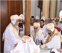 البابا تواضروس يصلي قداس أربعين الأنبا بيشوي بالبراري