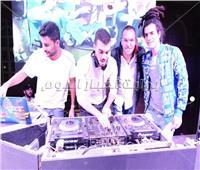 صور| «ديسكو مصر» و«الحريري» يشعلان حفل الجامعة البريطانية