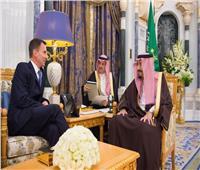 خادم الحرمين يبحث مع وزير الخارجية البريطاني مستجدات الأحداث في المنطقة